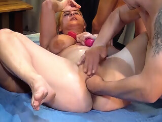 FapVid fisting gangbang party