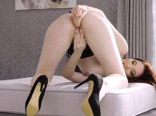 babe brunette hd at FapVid